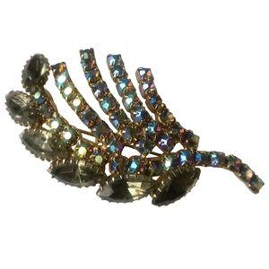 🇨🇦 Vintage Juliana style crystal brooch